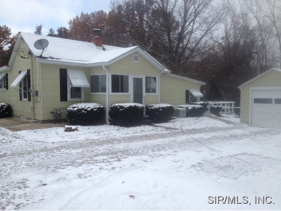 Rental Homes for Rent, ListingId:30869452, location: 5327 BOY SCOUT Lane Godfrey 62035