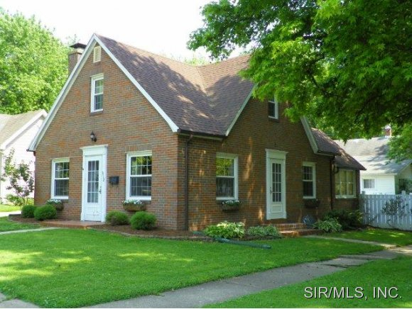 Real Estate for Sale, ListingId: 30984193, Hillsboro,IL62049