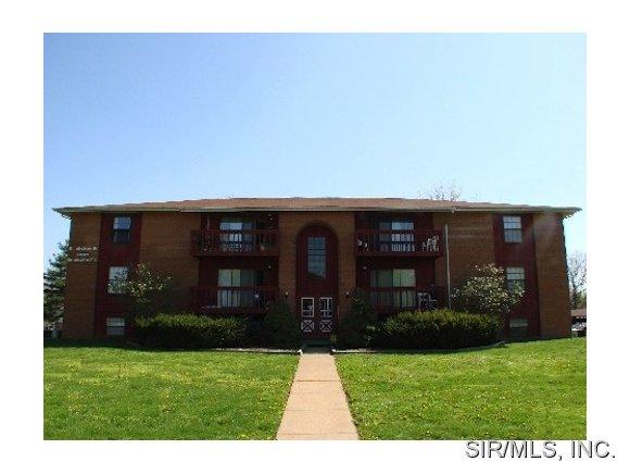 Rental Homes for Rent, ListingId:31110275, location: 1008 BROOKSHIRE Court Belleville 62221