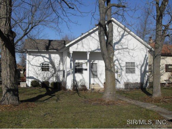 496 S 4th St, Livingston, IL 62058