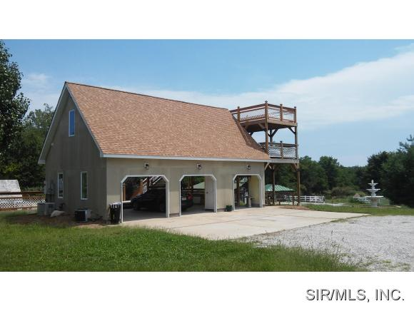 2430 Trout Camp Rd, Waterloo, IL 62298
