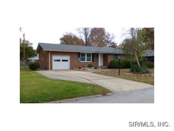 Rental Homes for Rent, ListingId:31605986, location: 5125 DIXON Drive Godfrey 62035