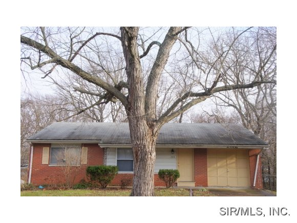 Rental Homes for Rent, ListingId:31606268, location: 223 MERRIWEATHER Lane Fairview Heights 62208