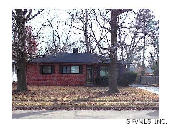 Rental Homes for Rent, ListingId:31640184, location: 4118 MEMORIAL Drive Belleville 62226