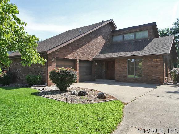 Real Estate for Sale, ListingId: 31852581, Wood River,IL62095