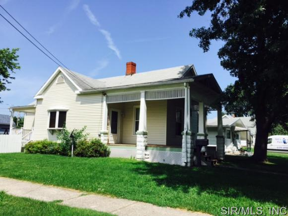 300 Clay St, Jerseyville, IL 62052
