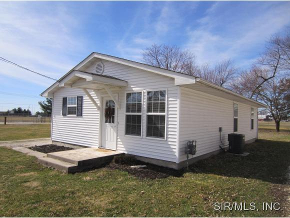 906 Poplar St, Jerseyville, IL 62052