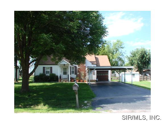 Rental Homes for Rent, ListingId:32262042, location: 13 LAWNDALE Drive Belleville 62221