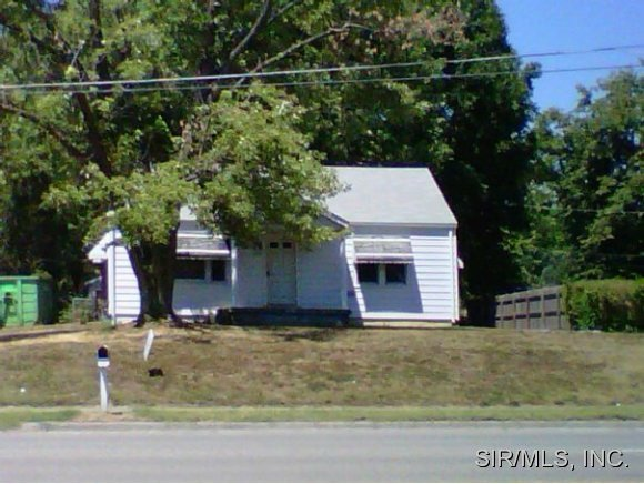 Rental Homes for Rent, ListingId:32307769, location: 825 LINCOLN Highway Fairview Heights 62208