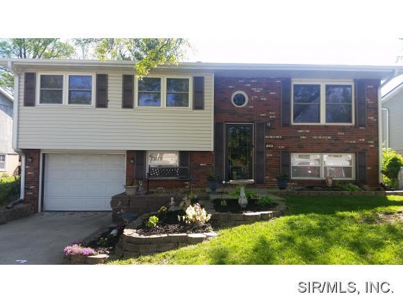 Real Estate for Sale, ListingId: 32969684, Godfrey,IL62035