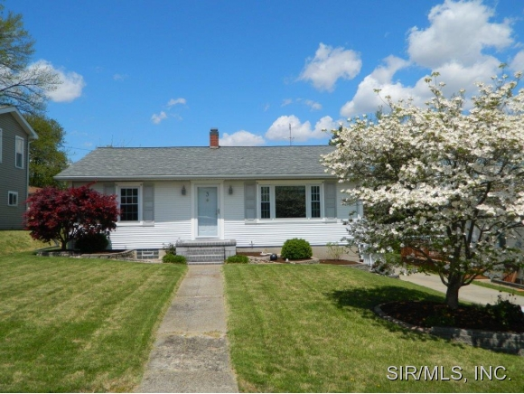 Real Estate for Sale, ListingId: 33098926, Hillsboro,IL62049