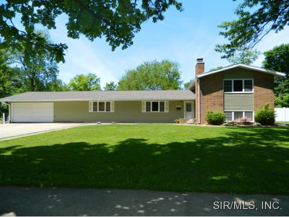 Real Estate for Sale, ListingId: 33298707, Hillsboro,IL62049