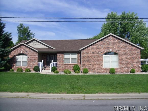 Real Estate for Sale, ListingId: 33611304, Wood River,IL62095