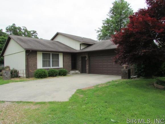 Real Estate for Sale, ListingId: 33611299, Hillsboro,IL62049