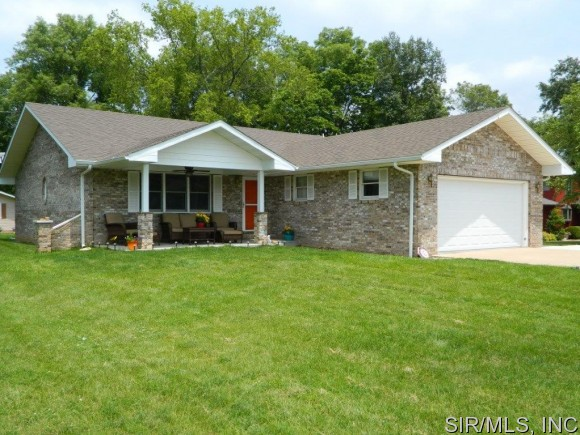 Real Estate for Sale, ListingId: 33699167, Hillsboro,IL62049