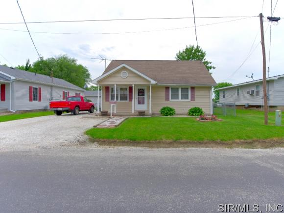 402 Lincoln Ave, Jerseyville, IL 62052