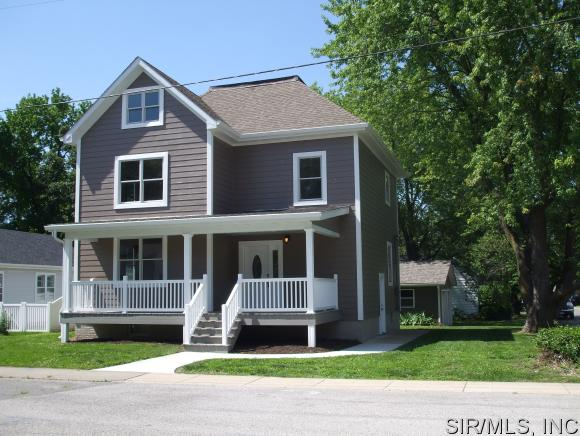 403 South St, Collinsville, IL 62234