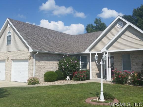 Real Estate for Sale, ListingId: 33918150, Staunton,IL62088