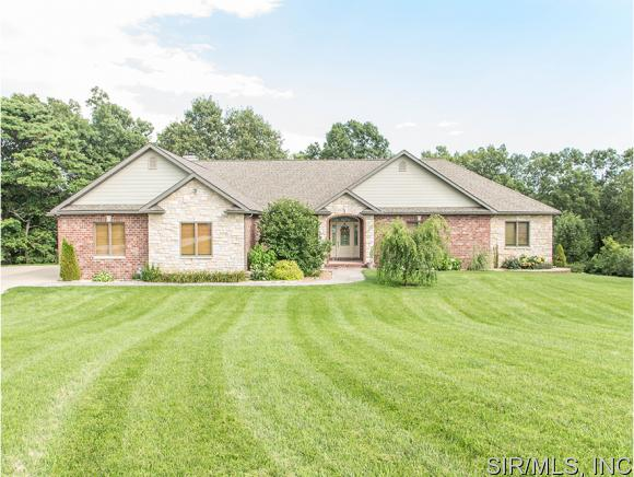 14510 Rowling Ridge Rd, Grafton, IL 62037