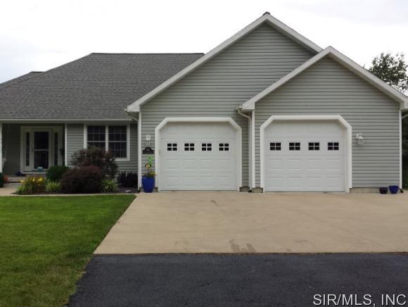 Real Estate for Sale, ListingId: 34475130, Hillsboro,IL62049