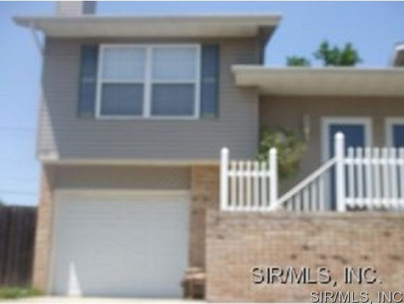 Rental Homes for Rent, ListingId:34493758, location: 142 CLINTON HILL Drive Swansea 62226