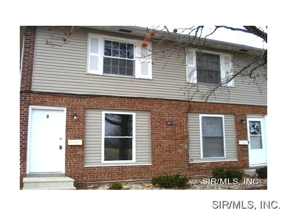 Rental Homes for Rent, ListingId:34535586, location: 3873 RODNEY Drive Granite City 62040