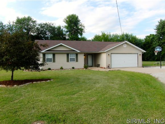 Real Estate for Sale, ListingId: 34554976, Worden,IL62097