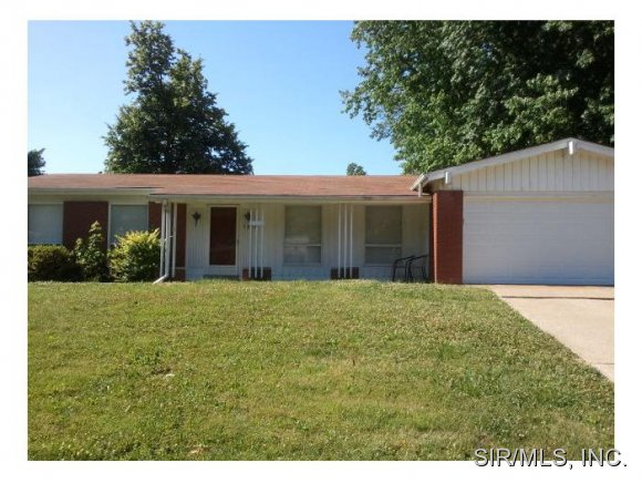 Rental Homes for Rent, ListingId:34555006, location: 1324 SPRINGFIELD Drive Belleville 62221