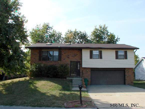 Rental Homes for Rent, ListingId:34555005, location: 525 LENORA Drive Fairview Heights 62208