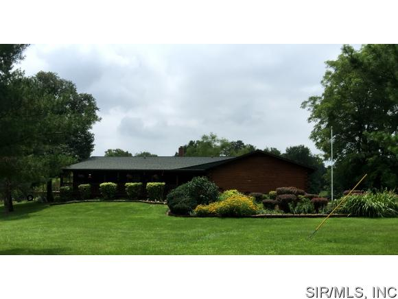 Real Estate for Sale, ListingId: 34606295, Walshville,IL62091