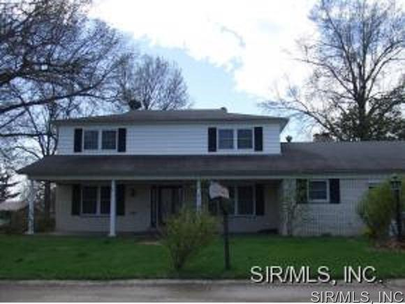 Rental Homes for Rent, ListingId:34965261, location: 2400 CHIPPENDALE Drive Belleville 62221