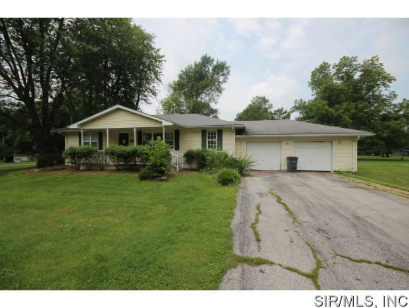 Real Estate for Sale, ListingId: 35151095, Worden,IL62097