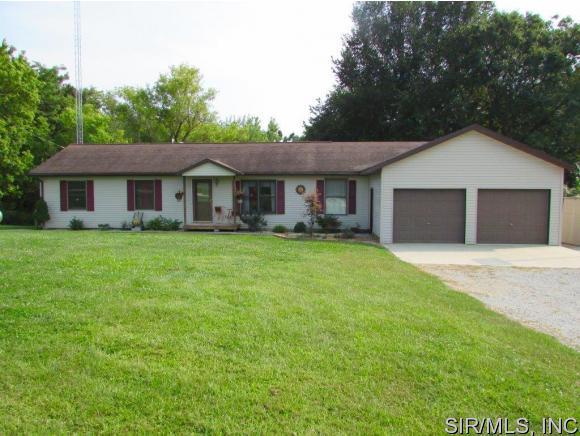 Real Estate for Sale, ListingId: 35169927, Hillsboro,IL62049