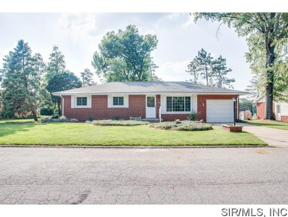 Real Estate for Sale, ListingId: 35270753, Godfrey,IL62035