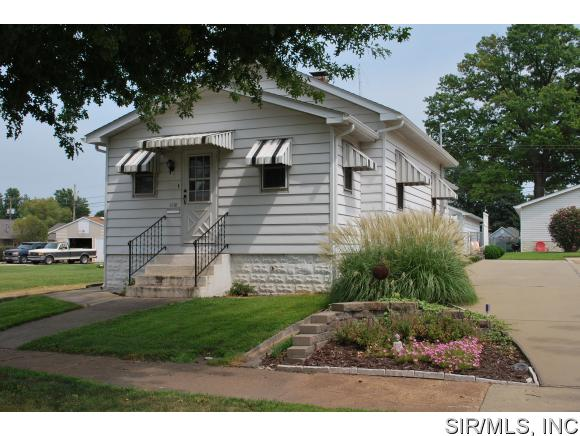 1018 Alton Ave, Madison, IL 62060