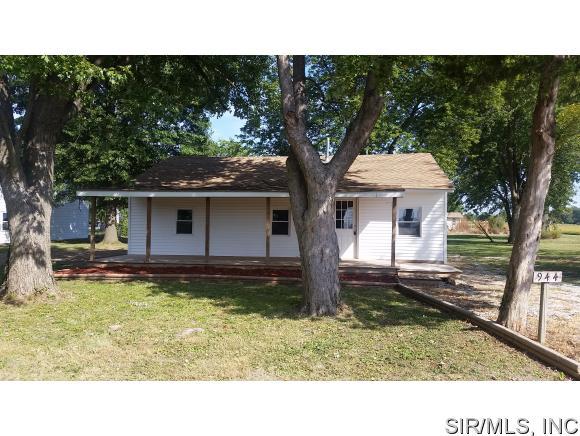 944 Sinclair Ave, South Roxana, IL 62087