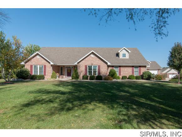 Real Estate for Sale, ListingId: 35765430, Godfrey,IL62035
