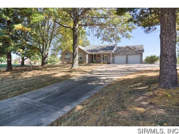 Real Estate for Sale, ListingId: 35880676, Worden,IL62097