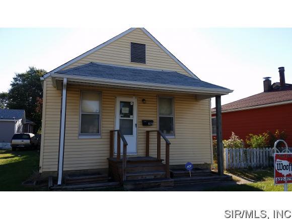 818 Grand Ave, Madison, IL 62060