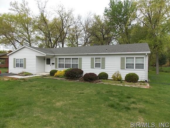 Rental Homes for Rent, ListingId:36091716, location: 1907 West BOULEVARD Belleville 62221