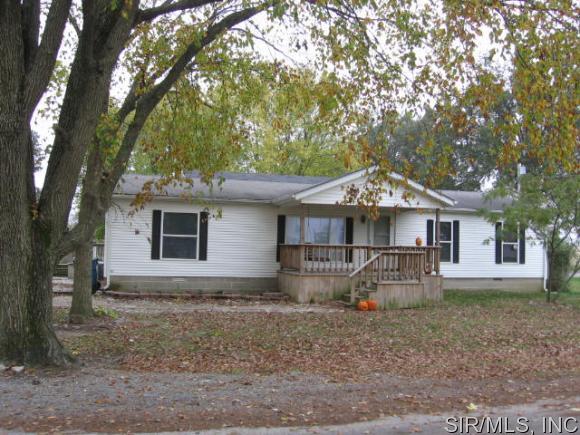924 W Hays St, Keyesport, IL 62253