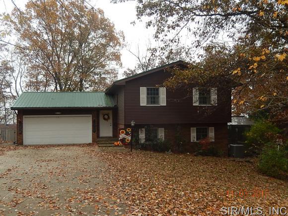 Real Estate for Sale, ListingId: 36116943, Hillsboro,IL62049