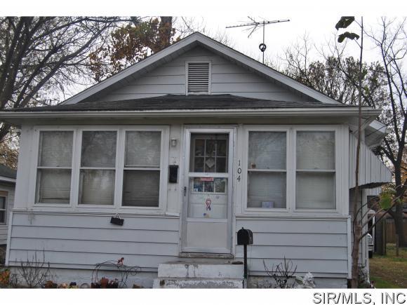 104 E 3rd St, Hartford, IL 62048