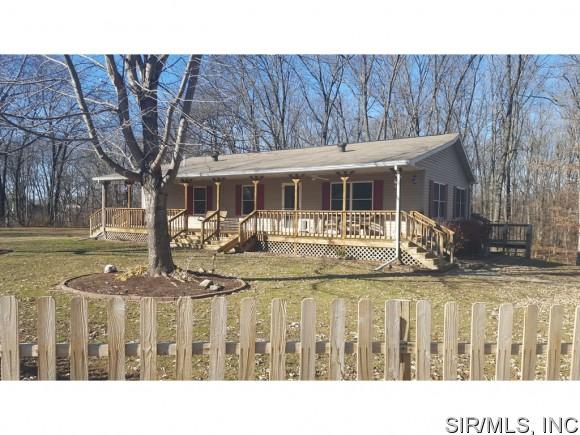 Real Estate for Sale, ListingId: 36363884, Staunton,IL62088