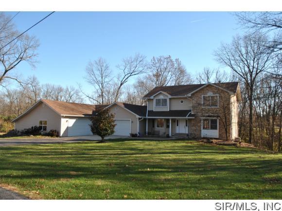 2 Oak Forest Rd, Godfrey, IL 62035