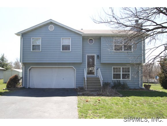 Rental Homes for Rent, ListingId:36976554, location: 614 HOLLYWOOD HEIGHTS Road Caseyville 62232