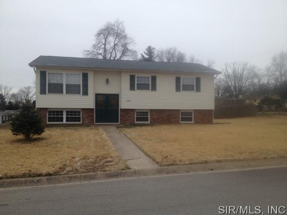 Rental Homes for Rent, ListingId:37119965, location: 3509 Piasa Trails Godfrey 62035