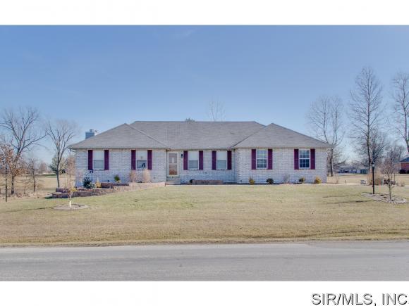 23532 N Centennial Rd, Jerseyville, IL 62052