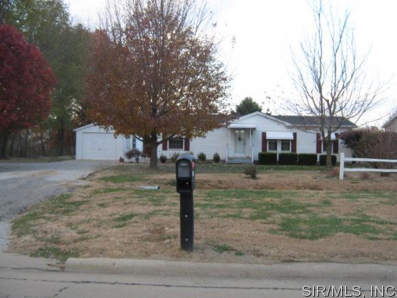 2331 W Randolph St, Vandalia, IL 62471