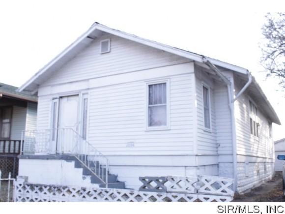 2606 Saint Louis Ave, East Saint Louis, IL 62205